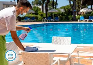 The swimming pool at or near Apartamentos Turisticos Pinhal Da Marina