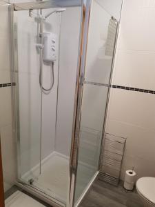 A bathroom at Hanson House