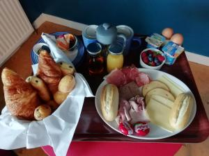 Breakfast options available to guests at Argyle Guest House