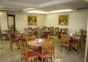 Um restaurante ou outro lugar para comer em Dan Inn Express Porto Alegre - próximo a Santa Casa