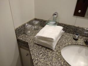 Um banheiro em Metropolitan Hotel Brasília