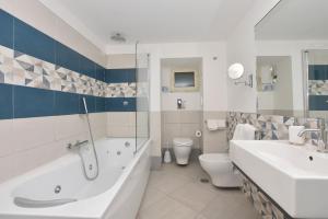 Um banheiro em Amalfi Casa Angelina