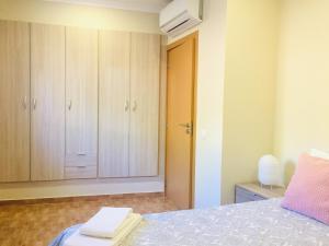 Uma cama ou camas num quarto em Quinta da Neta
