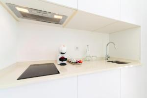 A kitchen or kitchenette at Quinta Dos Perfumes