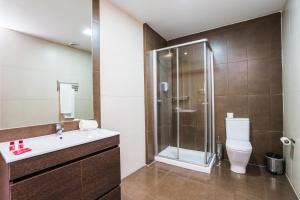 A bathroom at Lisbon Arsenal Suites