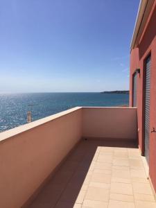 A balcony or terrace at Vistabella