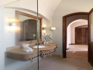 Een badkamer bij Radisson Blu Resort El Quseir