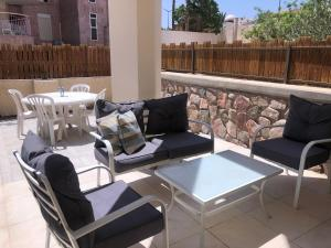 Almog suite 7 minutes walk from the beach