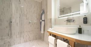A bathroom at Hotel Villa Blu Capri