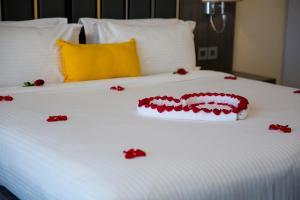 Cama ou camas em um quarto em Executives Hotel / KAFD