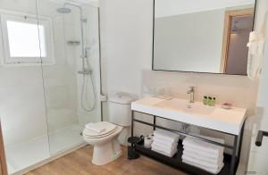 Salle de bains dans l'établissement Apartamentos Sabina Playa