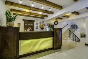 Hol lub recepcja w obiekcie Hotel Lubicz