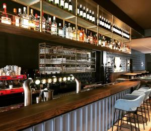 The lounge or bar area at Hotel Grandcafe De Doelen