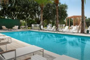 The swimming pool at or close to Element Orlando Universal Blvd.