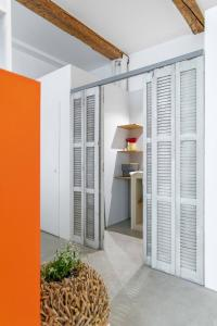 A bathroom at Chic et moderne