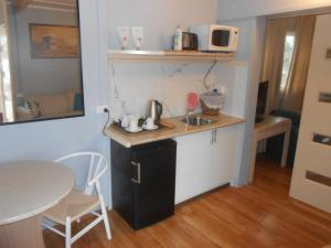 A kitchen or kitchenette at Mount View Motel