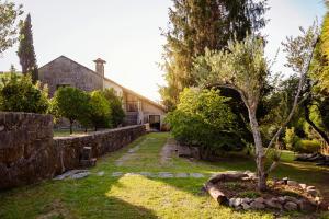 Jardín al aire libre en Bosque de Xarás, casa completa con encanto