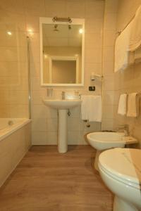 A bathroom at Hotel Tiempo