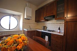 Кухня или мини-кухня в Agriturismo Casale Dello Sparviero