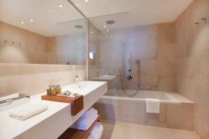 Un baño de Hotel Dubrovnik Palace