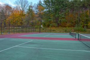 Tennis and/or squash facilities at Holiday Inn Club Vacations Mount Ascutney Resort, an IHG Hotel or nearby