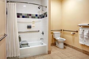 Salle de bains dans l'établissement Elan Hotel