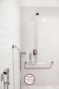 A bathroom at Trade Hotel