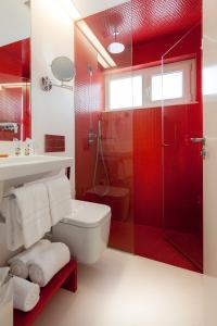 A bathroom at Faro Boutique Hotel