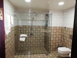 حمام في فندق الصفا