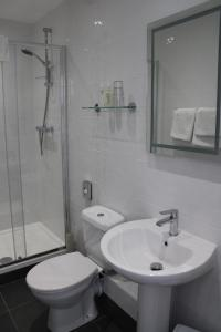 A bathroom at Southernhay Guest House