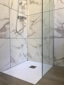 A bathroom at Calmette