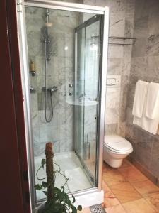A bathroom at Hotel Phoenix