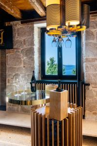 A restaurant or other place to eat at Spirito Santo Palazzo Storico