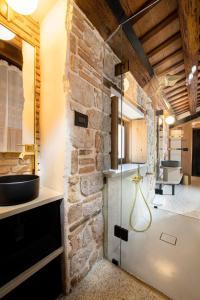 A bathroom at Spirito Santo Palazzo Storico