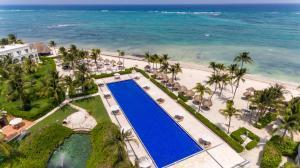 Een luchtfoto van Dreams Tulum Resort & Spa