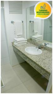 A bathroom at Golden Park Curitiba