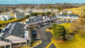 A bird's-eye view of Executive Inn & Suites Upper Marlboro