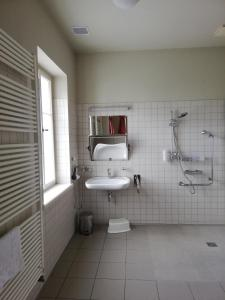 A bathroom at Penzion Lípa