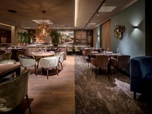 Een restaurant of ander eetgelegenheid bij Grenshotel de Jonckheer