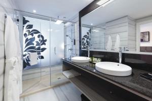 Salle de bains dans l'établissement Hotel Riu Palace Tenerife