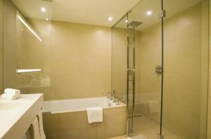 A bathroom at Holiday Inn Algiers - Cheraga Tower, an IHG Hotel