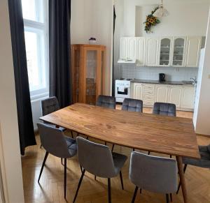 Cucina o angolo cottura di Centrally located 3BD home near National Museum