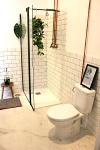 A bathroom at The Urban Jungle Hostel