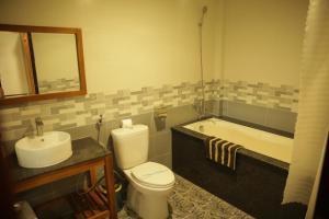 Phòng tắm tại Vela Phu Quoc Resort