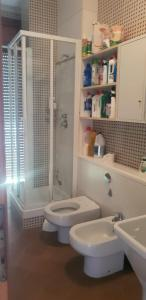 A bathroom at Casa dei sogni