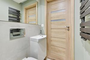 A bathroom at Victus Apartamenty, Apartamenty Panamera