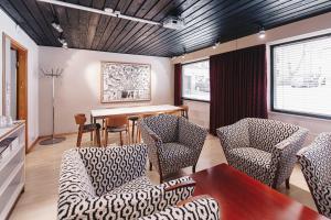 A seating area at Centro Hotel Turku