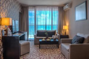 אזור ישיבה ב-Platinum Hotel & Casino