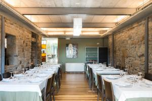 Un restaurante o sitio para comer en Vilavella Hotel & Spa