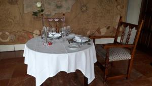 A restaurant or other place to eat at Parador de Ferrol